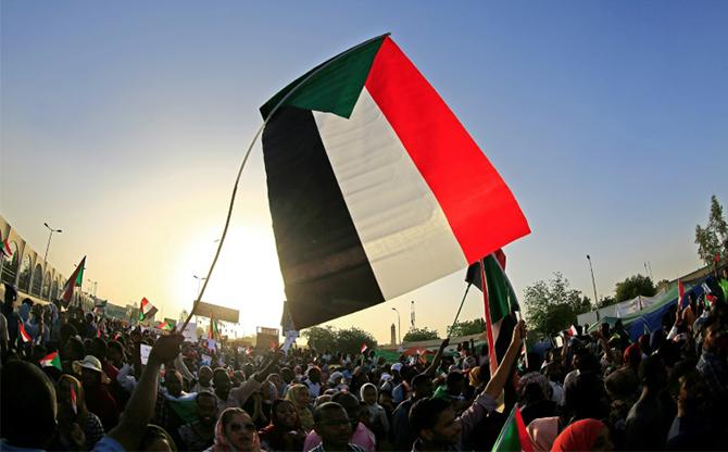 Sudan: a revolution towards a civilian rule?