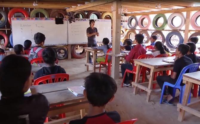 Cambodge : des déchets pour aller à l'école