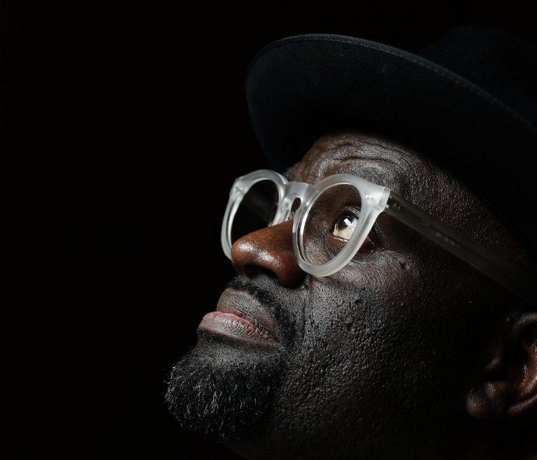 L'écrivain franco-congolais Alain Mabanckou. Photo: Adrian DENNIS / AFP