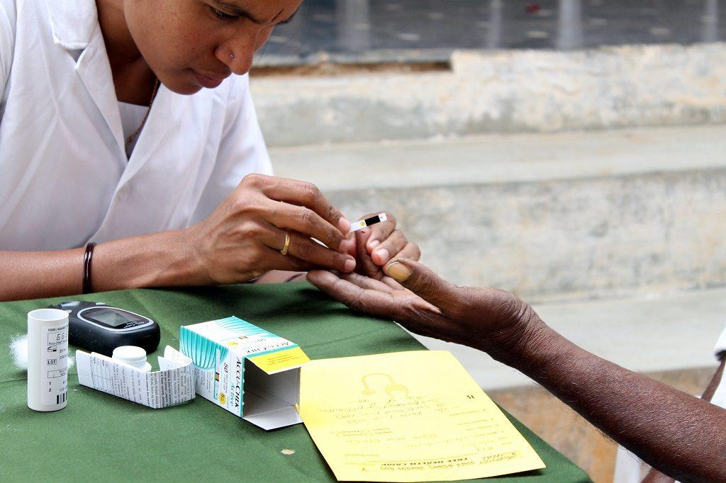 Pour 20 à 30 % des personnes atteintes de diabète, avoir un accès constant à l'insuline est une nécessité vitale. Photo: Trinity Care Foundation, à Karnataka,en Inde Flickr CC