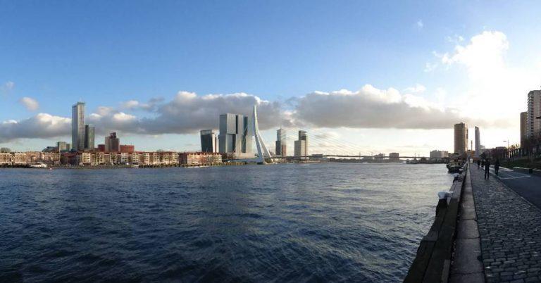 Premier port d'Europe, Rotterdam se prépare depuis des années à la montée du niveau des eaux. Sa stratégie d'adaptation sert de modèle à de nombreuses villes à travers le monde.