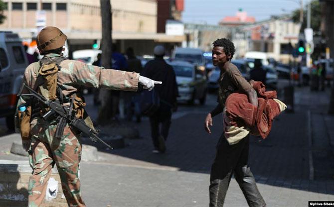En Afrique du Sud, inégaux face au virus