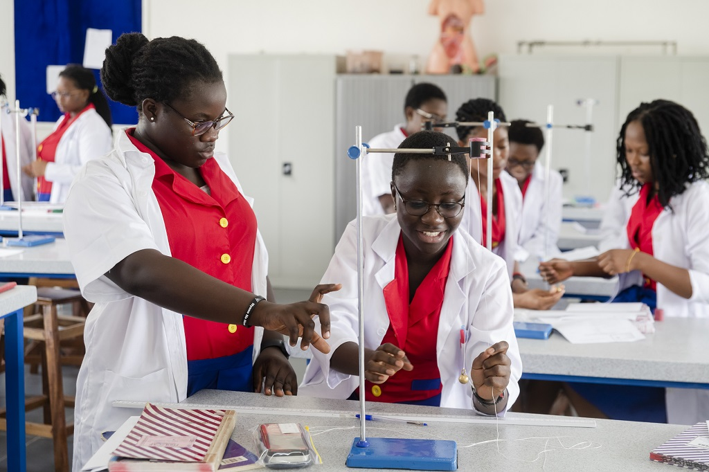 Numerous initiatives have been launched in the private sector to respond to education needs. Photo: Legacy Girls College, Ghana © Wilfried Antoine Desveaux for Proparco.