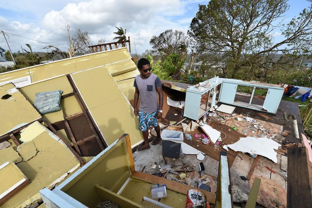 Le 16 mars 2015, à Port Vila, la capitale du Vanuatu, après le passage dévastateur du cyclone Pam. (Photo DAVE HUNT / POOL / AFP)