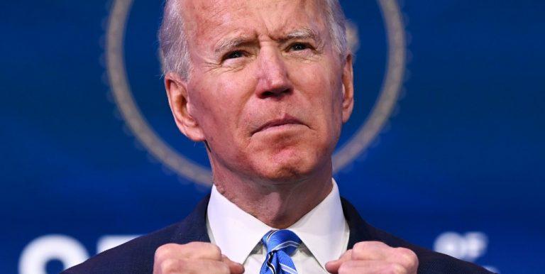 Le nouveau président américain Joe Biden, au Queen Theatre de Wilmington, dans le Delaware le 14 janvier 2021. (Photo by JIM WATSON / AFP)